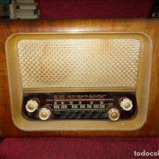 Radios de válvulas: APARATO DE RADIO DE VALVULAS DE MADERA OPTIMUS,FUNCIONANDO ,VER FOTOS. Lote 287105038