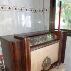 Radios à lampes: RADIO Y RELOJ, FRIDOR 515, LICENCIA PHILIPS,FUNCIONANDO, MUY DIFICIL DE CONSEGUIR.. Lote 287466478