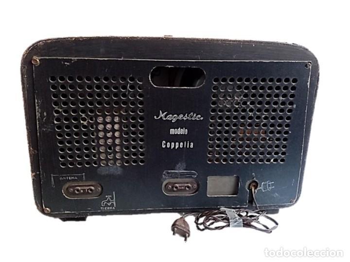 Radios de válvulas: RADIO MAGESTIC MODELO COPPELIA AÑOS 40 - Foto 4 - 287546143