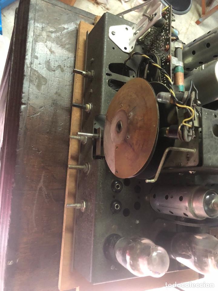 Radios de válvulas: RADIO DE CAPILLA ANTIGUO DE PIE. - Foto 4 - 287607313