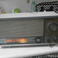 Radios de válvulas: RADIO DE VÁLVULAS MARAHIS Q-197 MANUFACTURA RADIO HISPANIA BARCELONA AM-FM FUNCIONANDO 35,5X27X18 CM. Lote 288091573