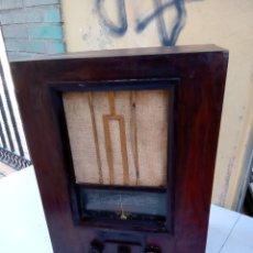 Radios de válvulas: IMPRESIONANTE RADIO ANTIGUA DE CAPILLA DUCRETET THOMSON. Lote 288431488