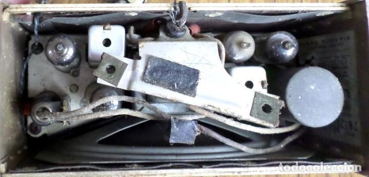 Radios de válvulas: RADIO RCA VICTOR -- De plástico – baquelita - Foto 9 - 100771955