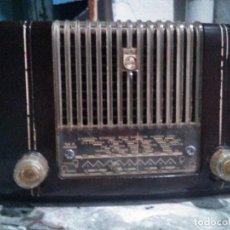 Radio a valvole: ANTIGUA RADIO DE VALVULAS PHILIPS FUNCIONANDO. Lote 292090383
