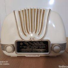Radios de válvulas: RADIO ANTIGUA TELEFUNKEN CARIÑO. Lote 294458038