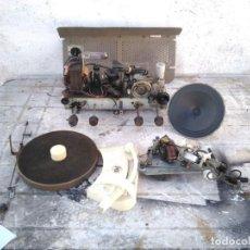 Radios de válvulas: RADIO TOCADISCOS PHILIPS EN PIEZAS ( LEER DESCRIPCION ). Lote 295367983
