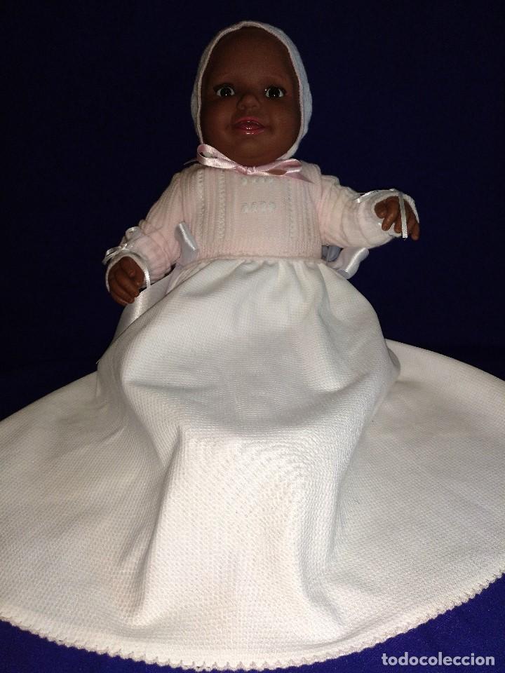 Reediciones Muñecas Españolas: Muñeca Bebe mulata replica de pepona Sara de Mariquita Perez,mide 60 cm. - Foto 10 - 134914434