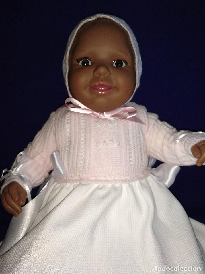 Reediciones Muñecas Españolas: Muñeca Bebe mulata replica de pepona Sara de Mariquita Perez,mide 60 cm. - Foto 12 - 134914434
