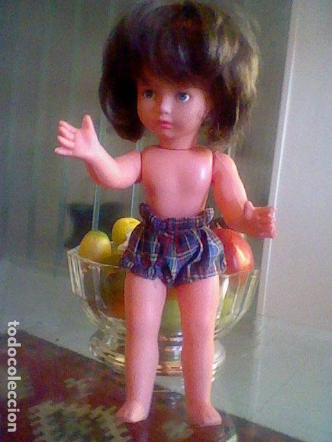 Reediciones Muñecas Españolas: MUÑECA OJOS DURMIENTES plastico pelo muy sedoso 34,5 CMS alto muy RARA POR DETERMINAR - Foto 8 - 167976004