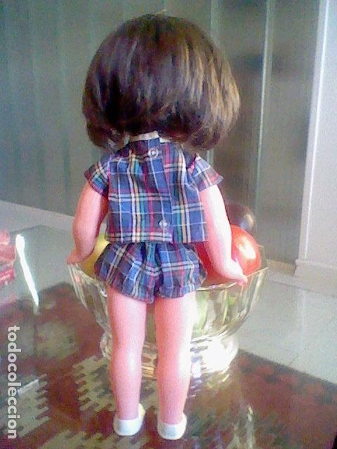 Reediciones Muñecas Españolas: MUÑECA OJOS DURMIENTES plastico pelo muy sedoso 34,5 CMS alto muy RARA POR DETERMINAR - Foto 9 - 167976004