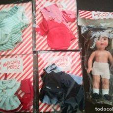 Reediciones Muñecas Españolas: LOTE MUÑECA MARIQUITA PÉREZ Y 4 VESTIDOS REEDICIÓN 20 CM. Lote 198638221