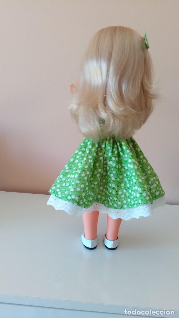 Reediciones Muñecas Españolas: Vestido verde flores años 50. - Foto 2 - 208128058