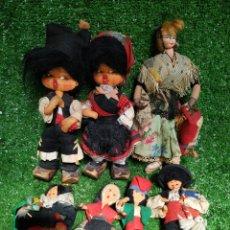 Reediciones Muñecas Españolas: LOTE 7 MUÑECOS TRAJES REGIONALES FELPA ROPA AÑOS 70 ESPAÑA. Lote 210451452