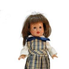 Reedições Bonecas Espanholas: BONITA MARIQUITA PÉREZ PEQUEÑA. VESTIDO ESCOLAR. 20 CM. 105 G.. Lote 218865211