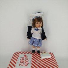 Reediciones Muñecas Españolas: MUÑECA MARIQUITA PÉREZ MINI 20CM EN CAJA DE LATA ORIGINAL. Lote 275087028