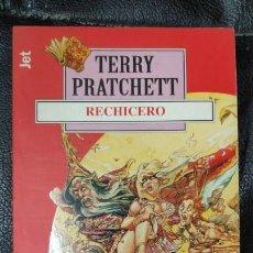 Relatos y Cuentos: RECHICERO TERRRY PRATCHETT. Lote 150134802