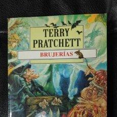 Relatos y Cuentos: BRUJERIAS TERRRY PRATCHETT. Lote 150137738