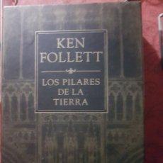 Relatos y Cuentos: LOS PILARES DE LA TIERRA, DE K. FOLLET. EDICIÓN DE LUJO. Lote 194246373