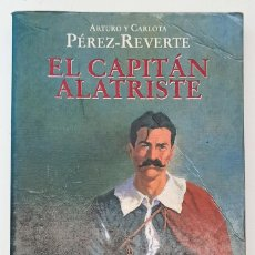 Relatos y Cuentos: CAPITÁN ALATRISTE - ARTURO Y CARLOTA PÉREZ-REVERTE,TAPA BLANDA - ALFAGUARA. Lote 247100620