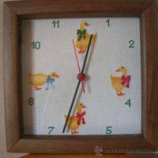 Relojes automáticos: RELOJ ESFERA A PUNTO DE CRUZ-FUNCIONA CON 1 PILA. Lote 25465177