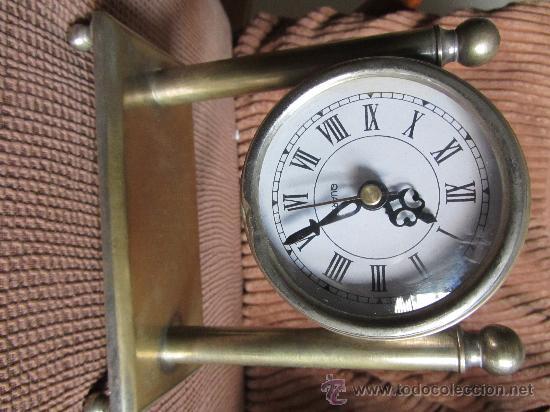 Relojes automáticos: RELOJ DE SOBREMESA A PILAS CAJA Y ARMADURA DE METAL, 17X16 CMS - Foto 3 - 28692976