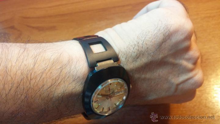 Relojes automáticos: Reloj DUWARD AUTOMATICO, AS 2066, modelo de RARO y ESCASO de color negro en PVD, de los años 70 - Foto 11 - 53395787