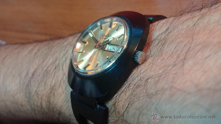 Relojes automáticos: Reloj DUWARD AUTOMATICO, AS 2066, modelo de RARO y ESCASO de color negro en PVD, de los años 70 - Foto 26 - 53395787
