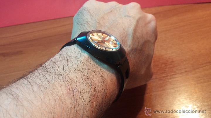 Relojes automáticos: Reloj DUWARD AUTOMATICO, AS 2066, modelo de RARO y ESCASO de color negro en PVD, de los años 70 - Foto 28 - 53395787