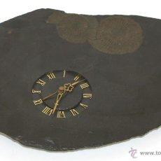 Relojes automáticos: RELOJ FÓSIL DE PARED. METAL DORADO. EUROPA. SIGLO XX.. Lote 54977463