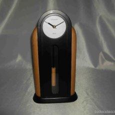 Relojes automáticos: RELOJ SOBREMESA MADERA PENDULO. Lote 93257674