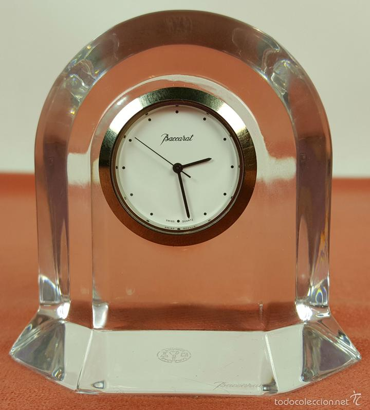 RE383. RELOJ MARCA BACCARAT. BASE EN CRISTAL DE BACCARAT. FRANCE. SIGLO XX. (Relojes - Relojes Automáticos)