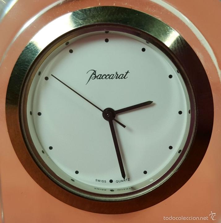 Relojes automáticos: RE383. RELOJ MARCA BACCARAT. BASE EN CRISTAL DE BACCARAT. FRANCE. SIGLO XX. - Foto 2 - 58149534