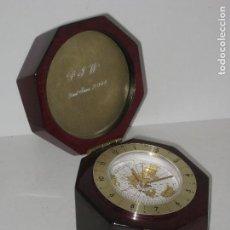 Relojes automáticos: RELOJ EN CAJA HEXAGONAL A PILA. Lote 68726601