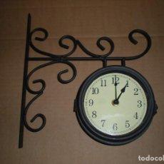 Relojes automáticos: RELOJ DE ANCLAR A PARED, DOS CARAS, FUNCIONA A PILAS . Lote 69369205