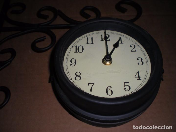 Relojes automáticos: reloj de anclar a pared, dos caras, funciona a pilas - Foto 2 - 69369205