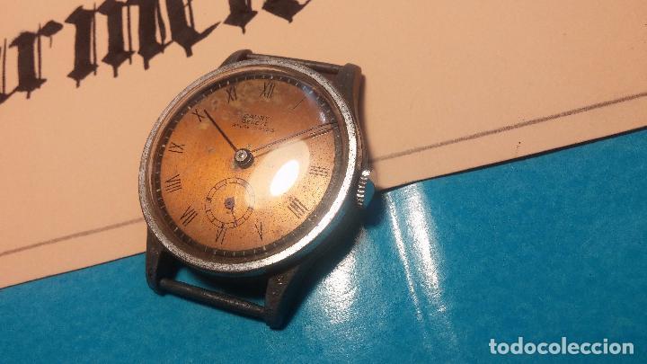 Relojes automáticos: Botito antiguo reloj CAUNY GENEVE 15 RUBIS, de cuerda, funcionando, esfera muy botita, pasador fijo - Foto 3 - 85178232