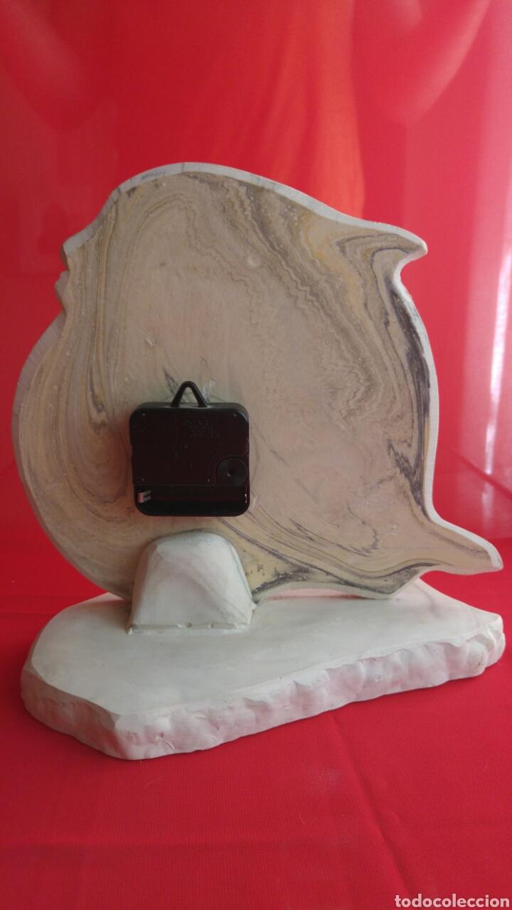 Relojes automáticos: Elegante y precioso reloj con un bonito delfín tallado funciona a pilas - Foto 2 - 94586511