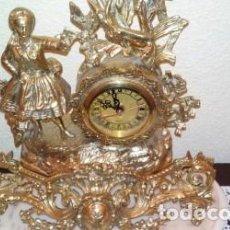 Relojes automáticos: RELOJ Y CANDELABROS DE BRONCE. Lote 97365095