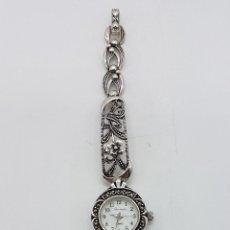 Relojes automáticos: BELLO RELOJ ANTIGUO DE ESTILO MODERNISTA EN PLATA DE LEY TROQUELADA CON MARQUESITAS TALLA BRILLANTE.. Lote 133524826