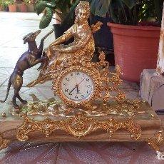 Relojes automáticos: PRECIOSO RELOJ DE BRONCE Y PIE DE MARMOL. Lote 100571251