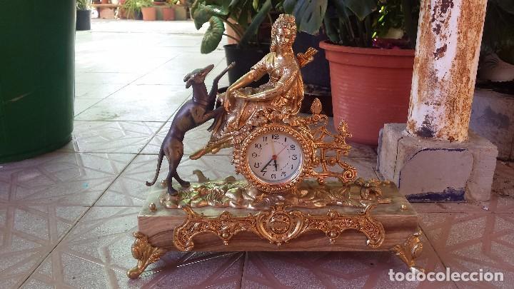 Relojes automáticos: precioso reloj de bronce y pie de marmol - Foto 2 - 100571251