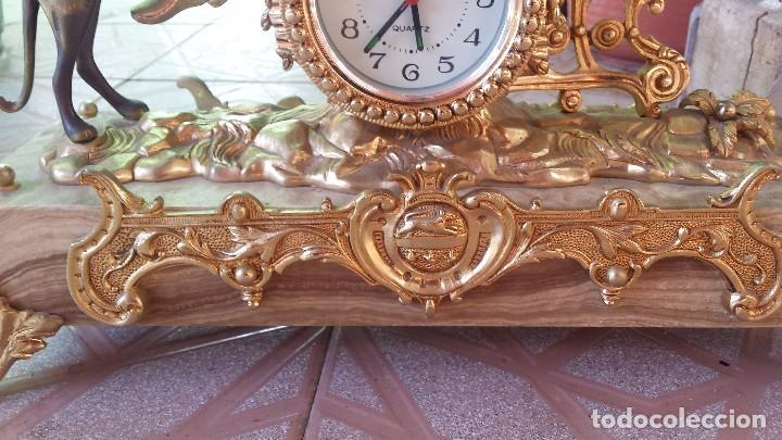 Relojes automáticos: precioso reloj de bronce y pie de marmol - Foto 5 - 100571251