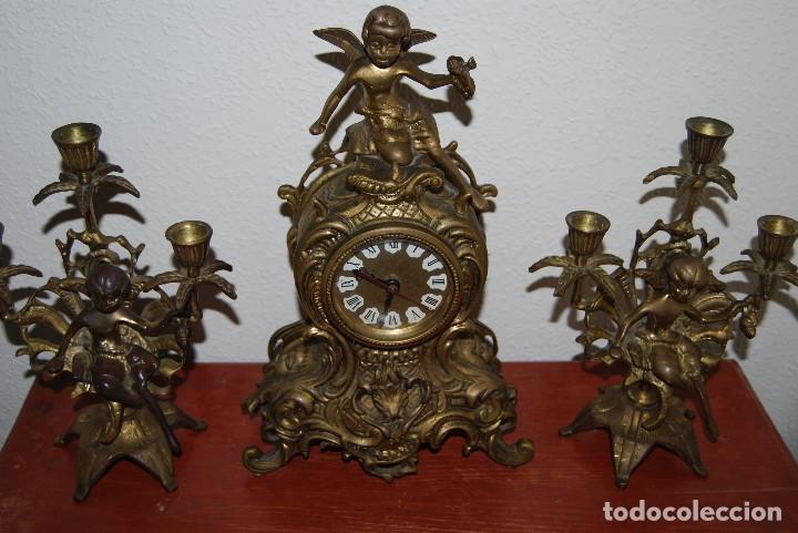 Relojes automáticos: RELOJ CON PAREJA DE CANDELABROS - BRONCE - AÑOS 60 - Foto 5 - 100768147