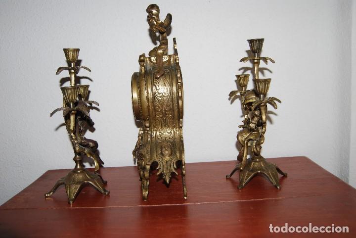 Relojes automáticos: RELOJ CON PAREJA DE CANDELABROS - BRONCE - AÑOS 60 - Foto 9 - 100768147