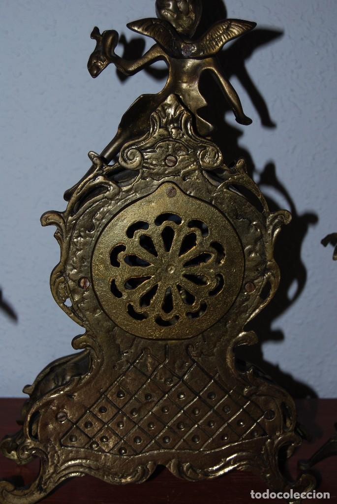 Relojes automáticos: RELOJ CON PAREJA DE CANDELABROS - BRONCE - AÑOS 60 - Foto 12 - 100768147