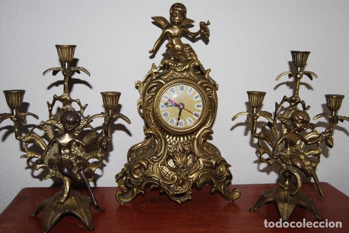 Relojes automáticos: RELOJ CON PAREJA DE CANDELABROS - BRONCE - AÑOS 60 - Foto 16 - 100768147