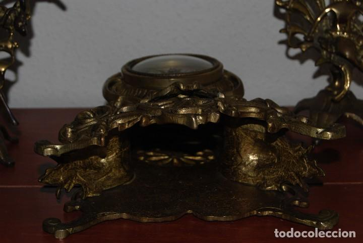 Relojes automáticos: RELOJ CON PAREJA DE CANDELABROS - BRONCE - AÑOS 60 - Foto 20 - 100768147