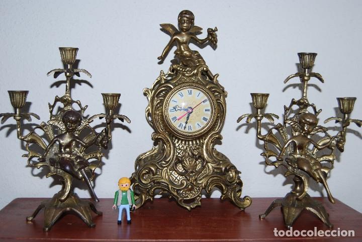 Relojes automáticos: RELOJ CON PAREJA DE CANDELABROS - BRONCE - AÑOS 60 - Foto 21 - 100768147
