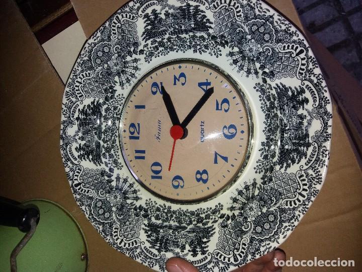 RELOJ EN PLATO LA CARTUJA (Relojes - Relojes Automáticos)