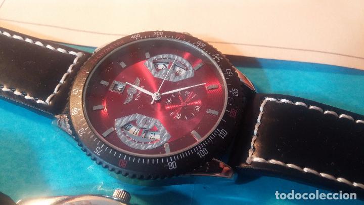 Relojes automáticos: Dos botitos relojes uno automático y otro cuarzo, en muy buen estado de revista y funcionamiento - Foto 2 - 102402199